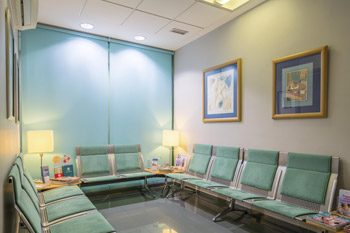 Fertility Clinic in Spain | Waiting area | URE Centro Gutenberg